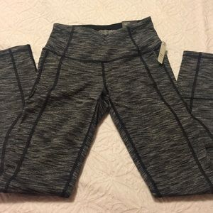 New with tags Victoria sport legging